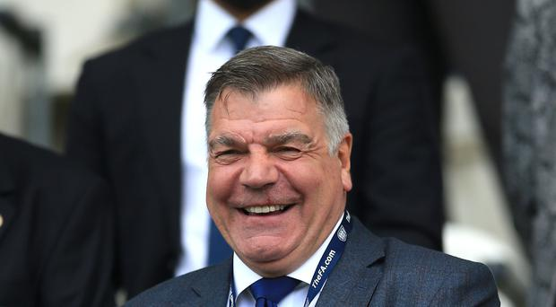 Sam Allardyce is the favourite to become the new manager of Crystal Palace.
