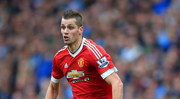 Morgan Schneiderlin has completed his move to Everton.