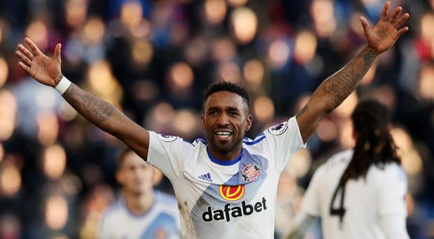 Sunderland's Jermain Defoe scored his team's third and fourth goals