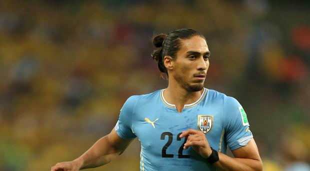 Uruguay defender Martin Caceres has joined Southampton
