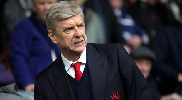 Arsenal manager Arsene Wenger looks set to stay on for an extra year