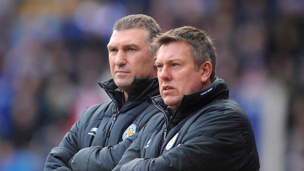 Craig Shakespeare on brink of Premier League record as Leicester face Everton