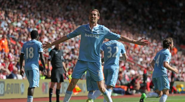 Peter Crouch scored the only goal of the game as Stoke won 1-0 at Southampton.