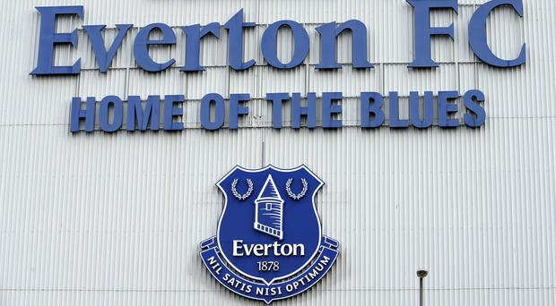 Everton set to seal defender deal