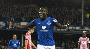 Two goals from Everton's Oumar Niasse spared manager Ronald Koeman another week under the spotlight.