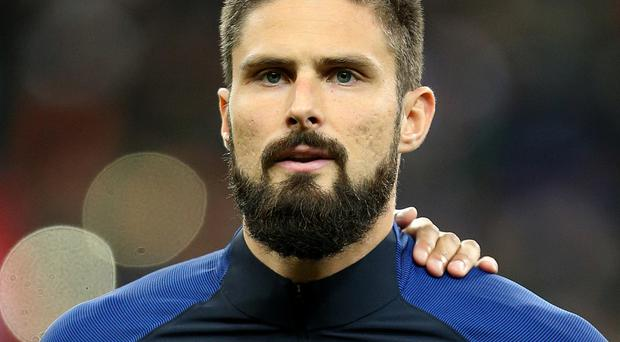 Olivier Giroud has returned to Arsenal due to a thigh injury