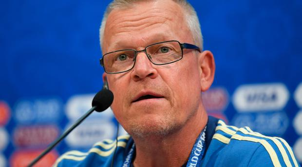 Training row: Sweden coach Janne Andersson