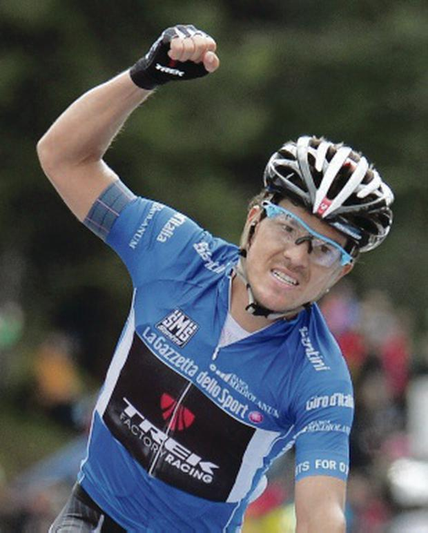 In front: Julian Arredondo celebrates winning the 18th stage of the Giro