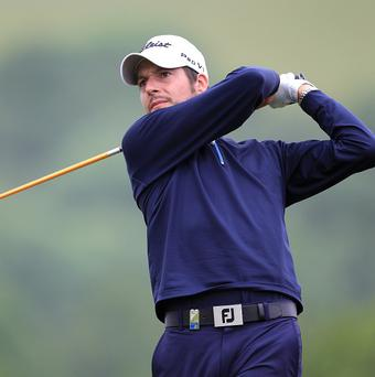Simon Thornton fired a third-round six-under-par 65