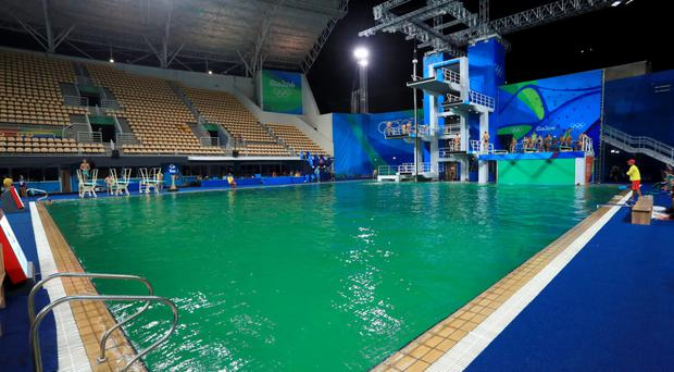 Rio olympics green pool fiasco has left chiefs in deep water for How deep is a olympic swimming pool