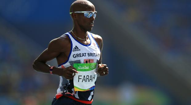 Great Britain's Mo Farah remains on track for his second gold of Rio 2016 after cruising through to the men's 5000m final