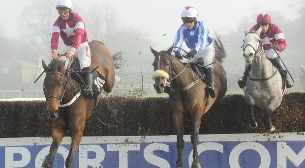 Aerlite Supreme (noseband) on his way to Thurles success