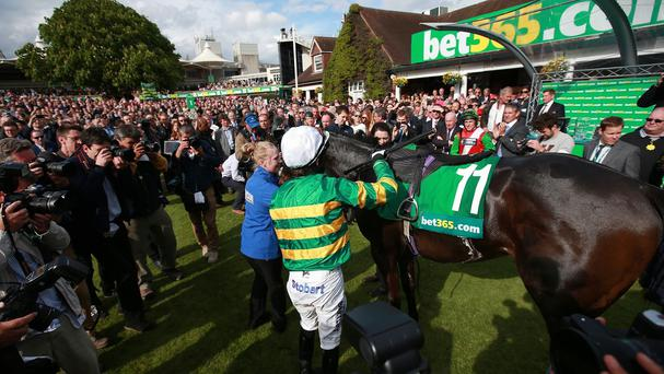 Tony McCoy dismounts Box Office after his last ride