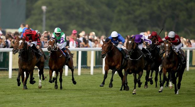 Aloft ridden by Ryan Moore (purple and white silks) wins the Queen's Vase