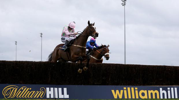 Vautour leads Cue Card at Kempton