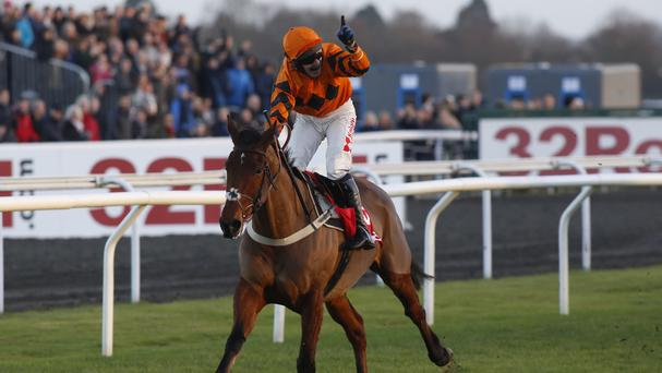 Thistlecrack lives up to all the hype