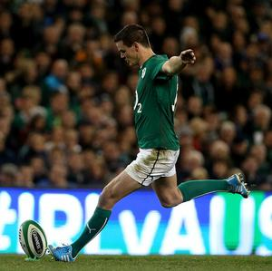 Jonathan Sexton's hamstring injury leaves him a doubt for Ireland's final Guinness Series autumn international against New Zealand in Dublin on Sunday.