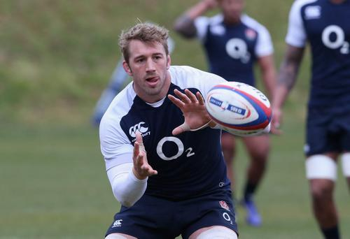 BAGSHOT, ENGLAND - FEBRUARY 21: Chris Robshaw catches the ball during the England training session held at Pennyhill Park on February 21, 2013 in Bagshot, England. (Photo by David Rogers/Getty Images)