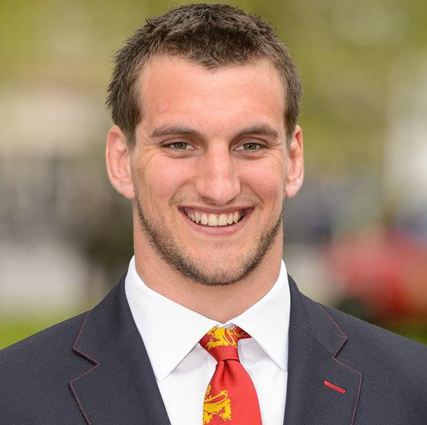 Sam Warburton will not rush a decision on his club future
