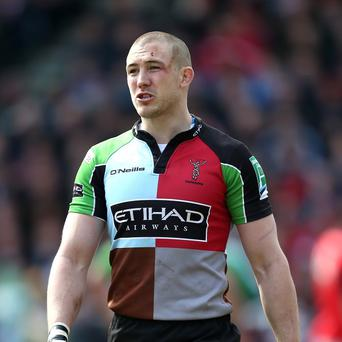 Mike Brown has put pen to paper on a new Harlequins deal