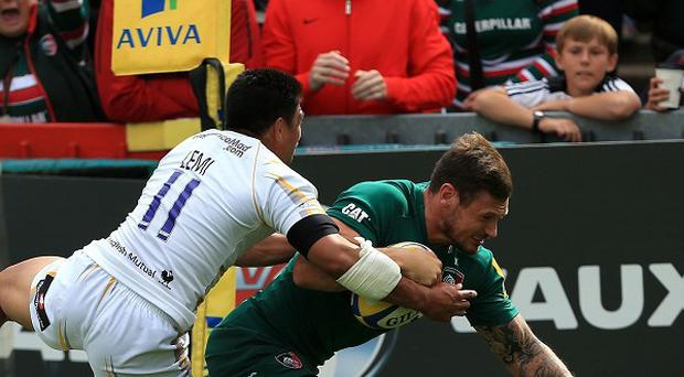 Adam Thompstone dives over for Leicester's opening try