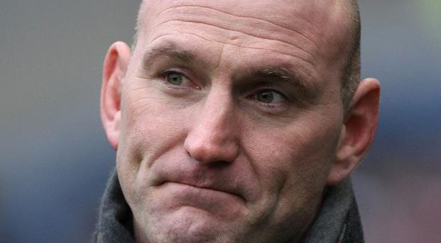 Former England international Lawrence Dallaglio has called for an end to the Heineken Cup row.