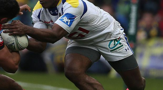 Sitiveni Sivivatu (right) could not save Clermont Auvergne from defeat to Racing Metro in the Heineken Cup.