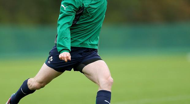 Brian O'Driscoll sat out part of Ireland's final training session ahead of their opening autumn international clash with Samoa.