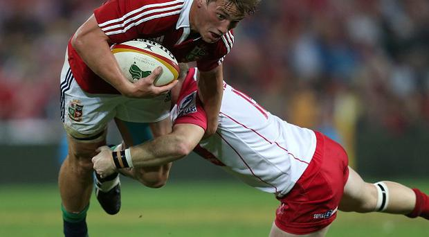 Wales centre Jonathan Davies has agreed a two-year deal with Clermont Auvergne.