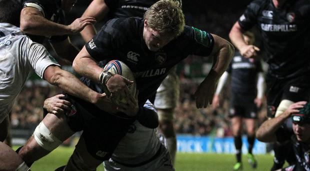 Jamie Gibson goes over for Leciester's fourth try