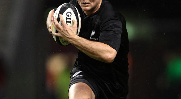 Mike Delany kicked a penalty and conversion as Clermont Auvergne defeated Scarlets in the Heineken Cup.