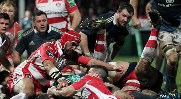 Peter O'Mahony crashes over for Munster's second try