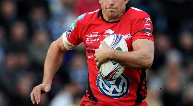 Jonny Wilkinson kicked five penalties to lead Toulon to a 15-8 win at Glasgow on Saturday.
