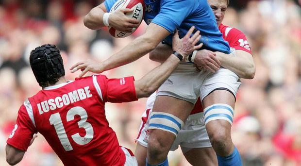 Italy captain Sergio Parisse has backed the Azurri to stick to their new-found attacking style in the RBS 6 Nations.