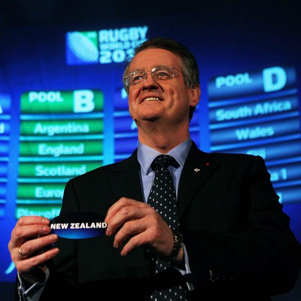 International Rugby Board boss Bernard Lapasset has written to international unions warning coaches and players to tread carefully when criticising referees.