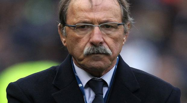 Italy coach Jacques Brunel has urged his players to keep defensive mistakes to a minimum when they open their RBS 6 Nations campaign against holders Wales in Cardiff on Saturday.
