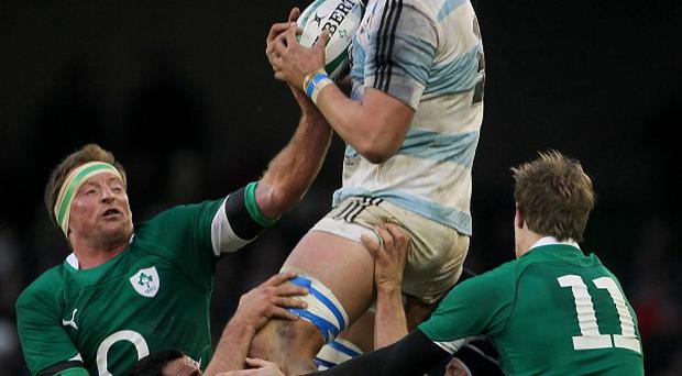 Argentina's Mariano Galarza, centre, will join Gloucester next season