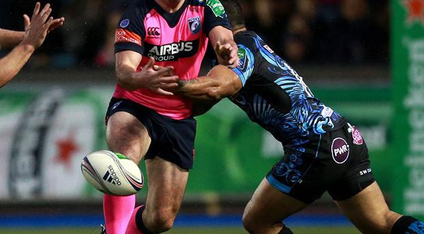 Dafydd Hewitt, centre, has agreed a new two-year deal with Cardiff Blues