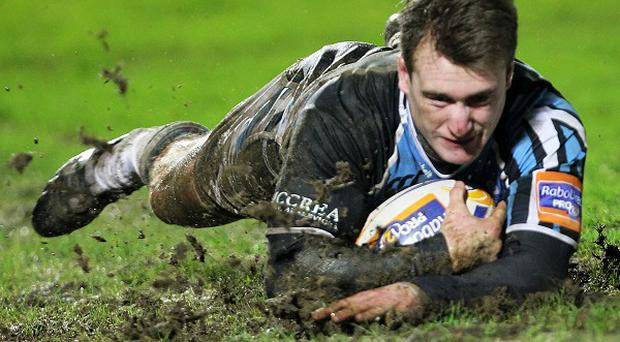 Stuart Hogg scored two tries as Glasgow hammered Zebre 54-0 on Saturday evening
