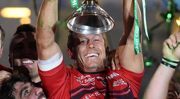 Jonny Wilkinson, pictured, must be allowed to retire on his own terms, according to team-mate Juan Martin Fernandez Lobbe