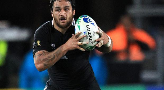 London Welsh have signed New Zealand World Cup winner Piri Weepu.