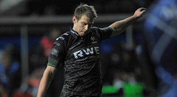 Dan Biggar kicked 17 points in a comfortable victory for Ospreys