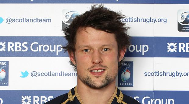 Scotland international Peter Horne has committed his future to Glasgow