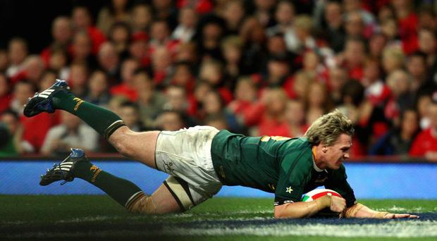 Jean de Villiers' late try double helped South Africa to a dramatic win