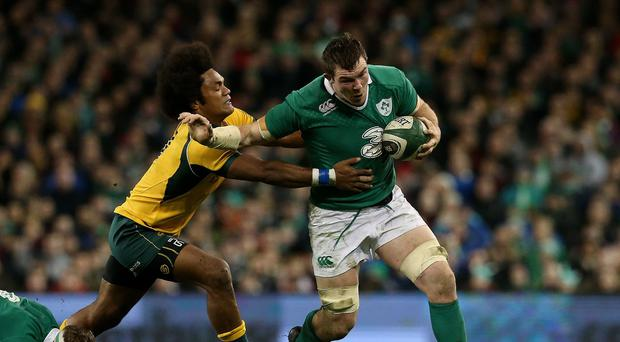 Peter O'Mahony, right, is embroiled in negotiations over a new Munster and Ireland contract