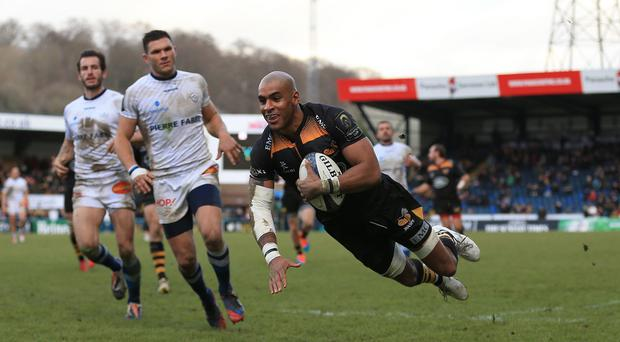 Tom Varndell, right, scores his second try of the game for Wasps against Castres