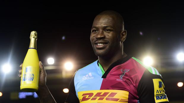 Ugo Monye celebrated his Twickenham Stoop farewell with two tries and the man of the match award - but Harlequins lost 27-26 to Bath.