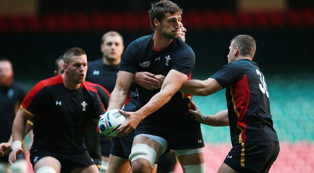 Wales' World Cup squad met up with former boxing champion Joe Calzaghe ahead of Thursday's clash against Fiji