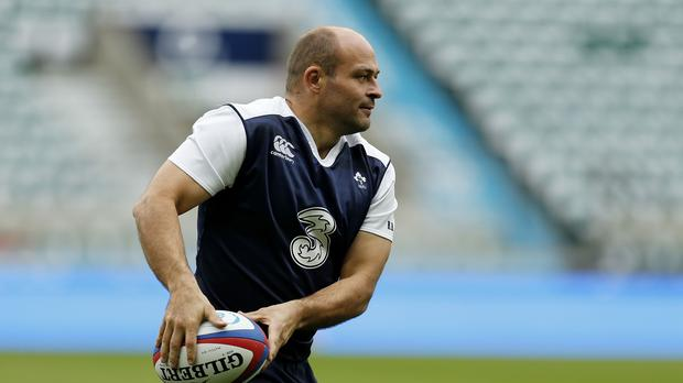 Ireland's Rory Best has signed a new deal with Ulster