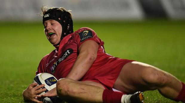 James Davies has signed a new contract with the Scarlets